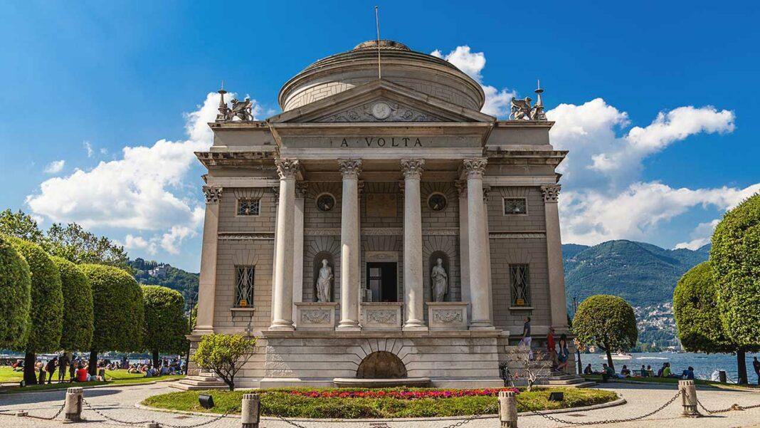 Tempio Voltiano in Como (c) Kvitka Fabian/ Shutterstock.com